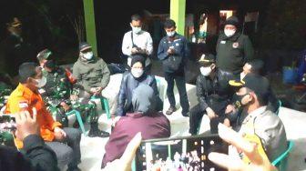 Pasca Gempa Malang, Menteri Sosial Kunjungi dan Berikan Bantuan Ke Warga Terdampak Bencana di Lumajang